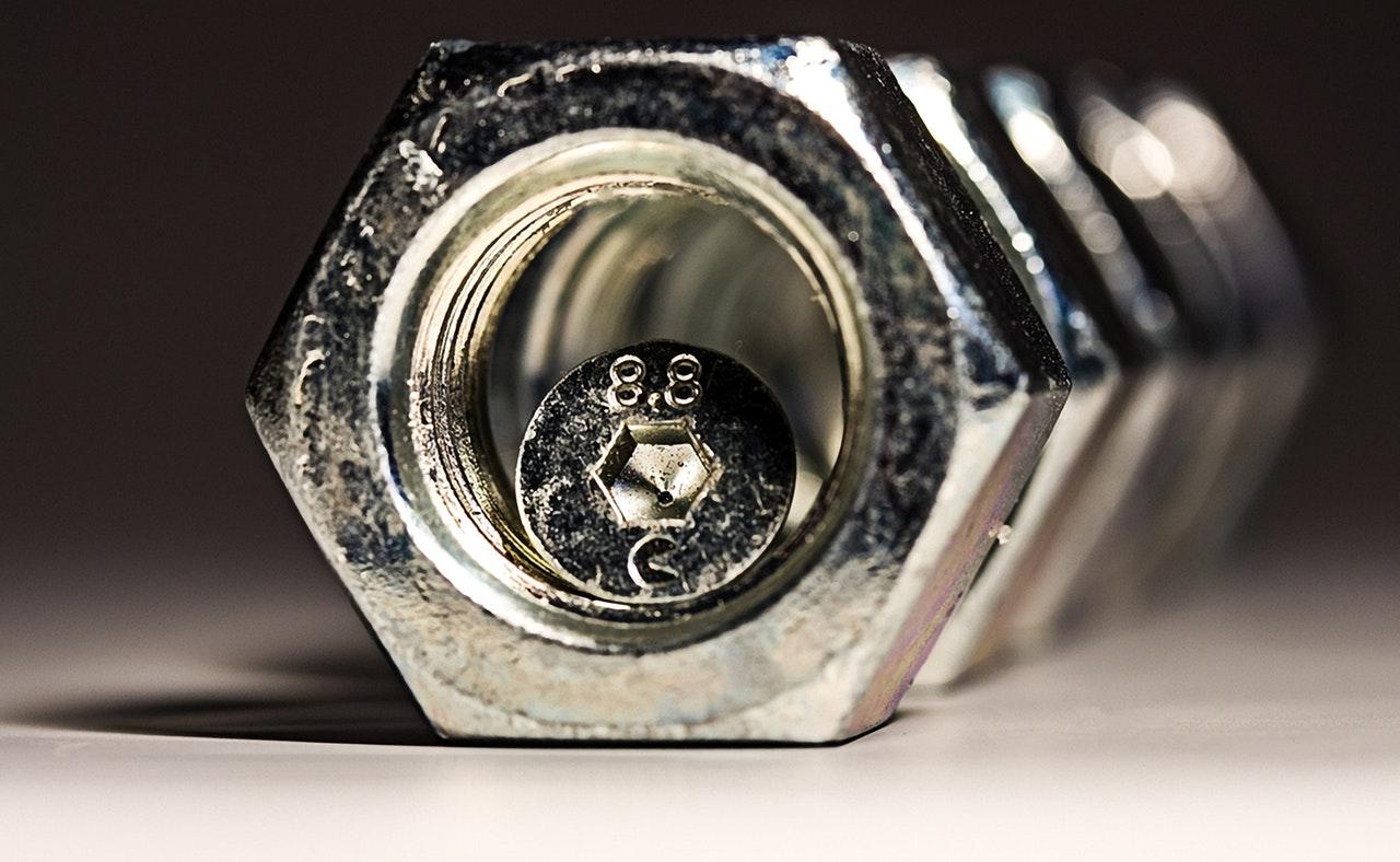 How to Remove Aluminum Burrs